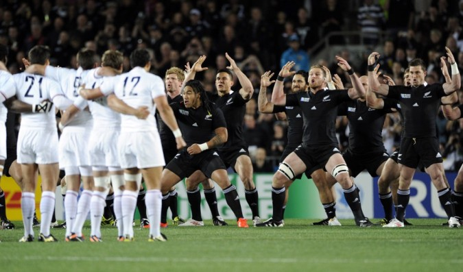 177995-france-players-look-on-as-new-zealand-all-blacks-kahui-perform-the-hak
